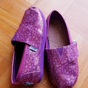 Toms shoes size T9